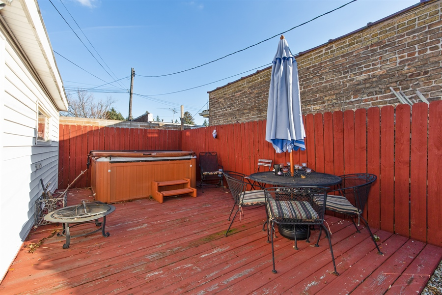 Real Estate Photography - 4059 N Mobile Ave, Chicago, IL, 60634 - Patio