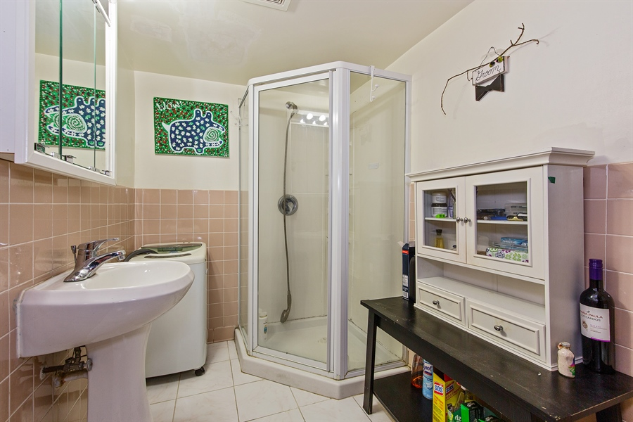 Real Estate Photography - 4059 N Mobile Ave, Chicago, IL, 60634 - 2nd Bathroom