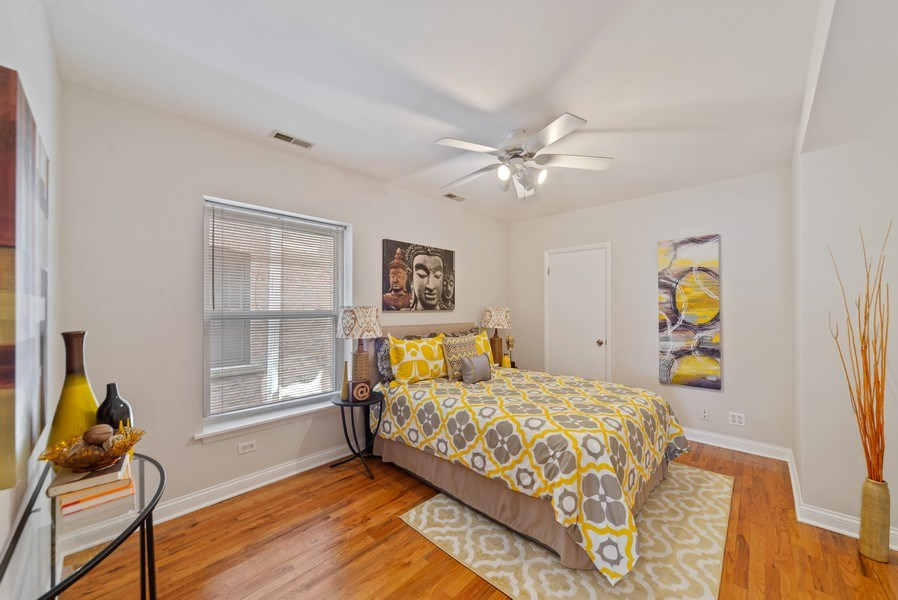 Real Estate Photography - 917 W. Sunnyside Ave., 1-S, Chicago, IL, 60640 - Bedroom