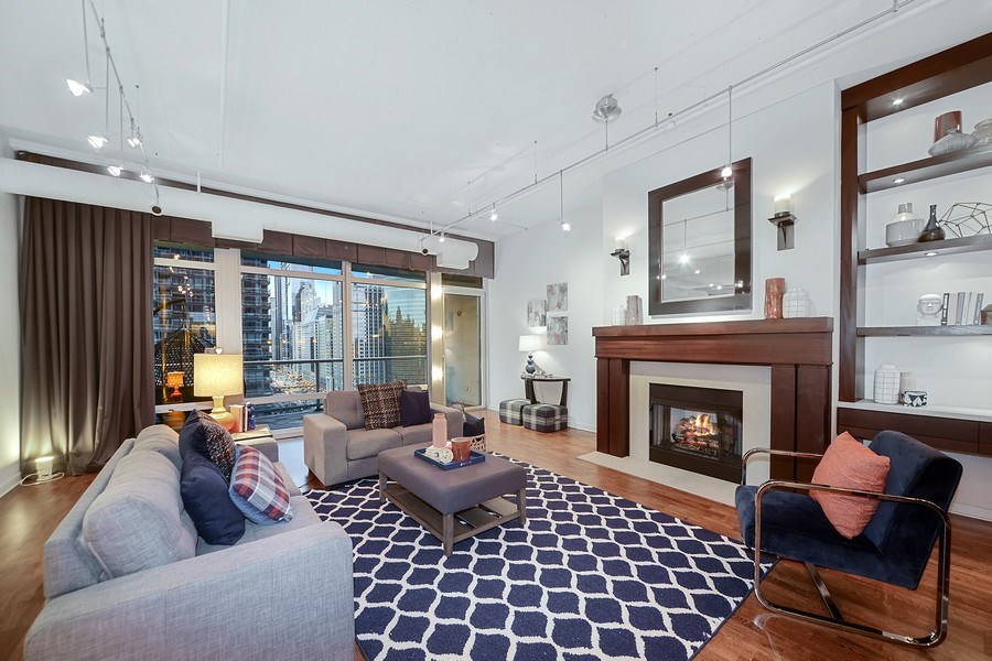 Real Estate Photography - 333 N. Canal, 1804, Chicago, IL, 60606 - Living Room