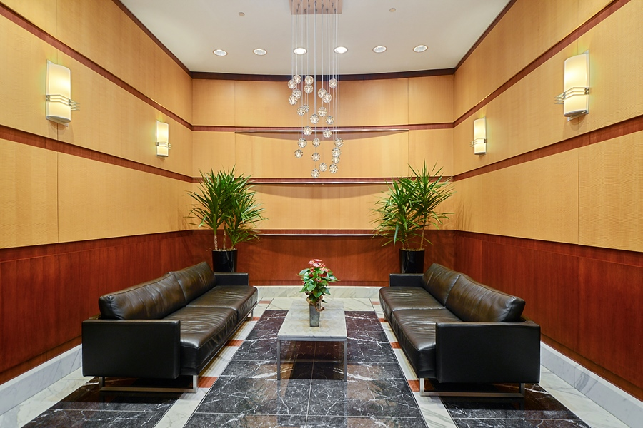 Real Estate Photography - 333 N. Canal, 1804, Chicago, IL, 60606 - Lobby