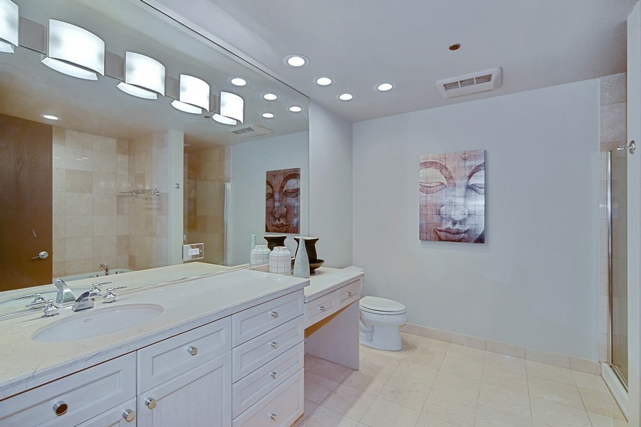 Real Estate Photography - 333 N. Canal, 1804, Chicago, IL, 60606 - Master Bathroom