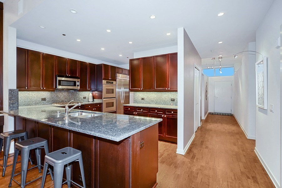 Real Estate Photography - 333 N. Canal, 1804, Chicago, IL, 60606 - Kitchen