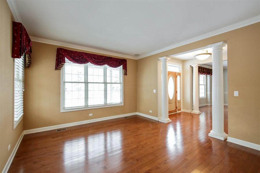 Real Estate Photography - 9050 Underhill Court, Lakewood, IL, 60014 - Living Room
