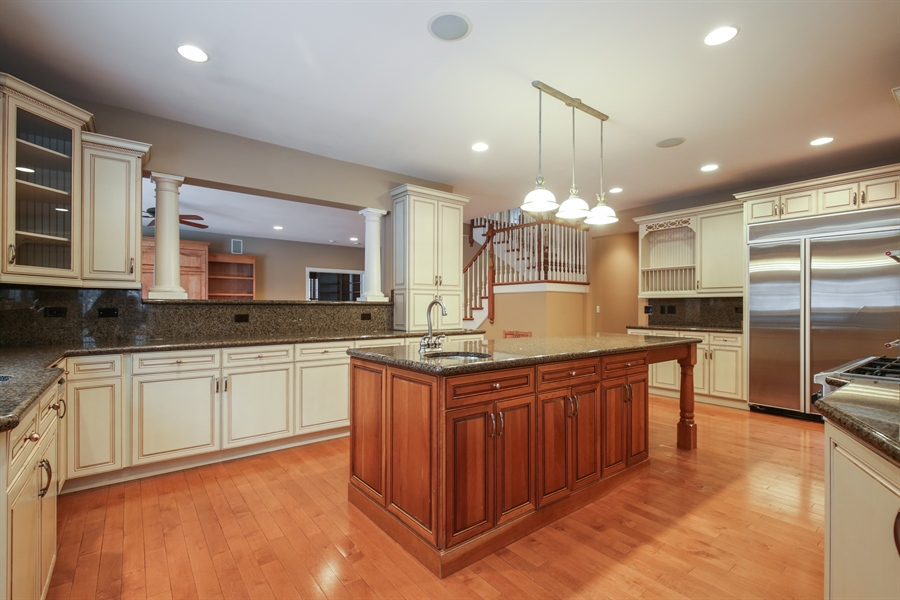 Real Estate Photography - 9050 Underhill Court, Lakewood, IL, 60014 - Kitchen