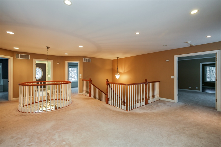 Real Estate Photography - 9050 Underhill Court, Lakewood, IL, 60014 - Hallway