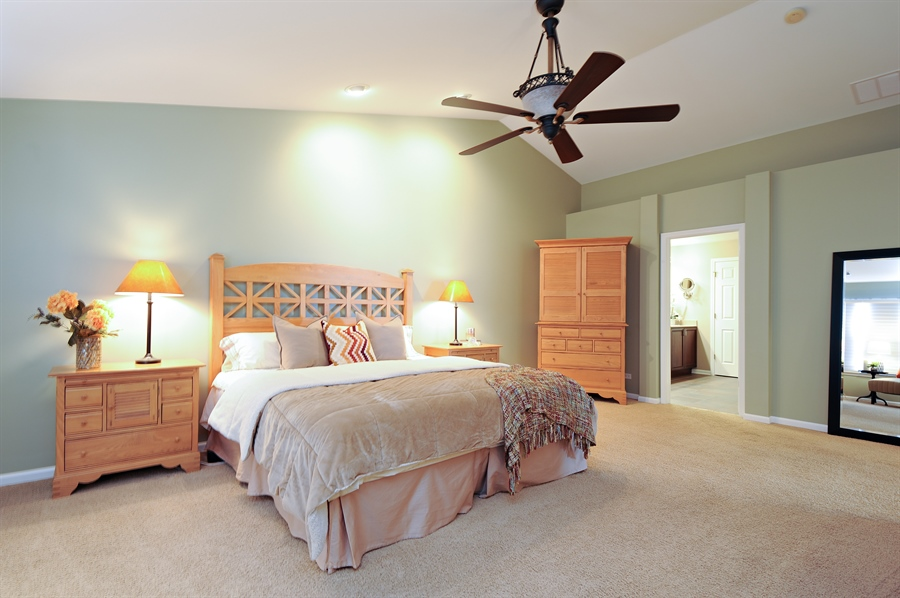 Real Estate Photography - 1942 Crenshaw, Vernon Hills, IL, 60061 - Master Bedroom