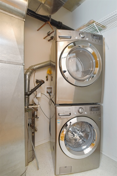Real Estate Photography - 6 S Laflin, 923, Chicago, IL, 60607 - Laundry Room