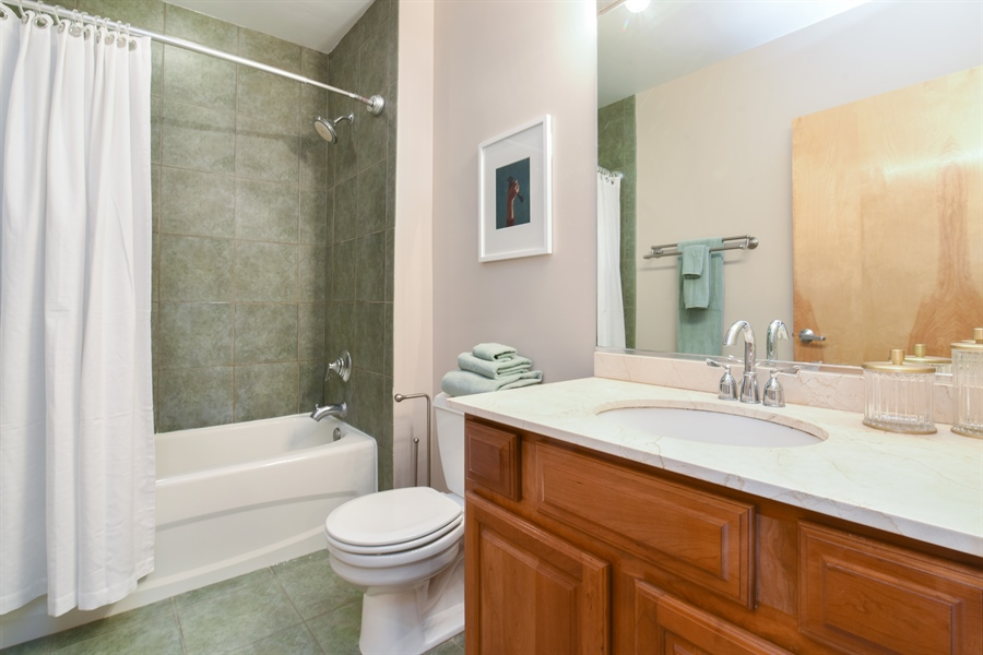 Real Estate Photography - 6 S Laflin, 923, Chicago, IL, 60607 - Bathroom