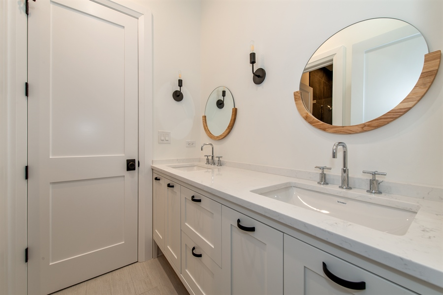 Real Estate Photography - 2615 N Bosworth Ave, Chicago, IL, 60614 - 3rd Bathroom