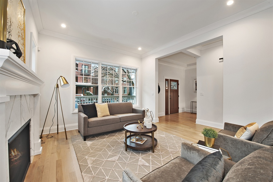 Real Estate Photography - 2615 N Bosworth Ave, Chicago, IL, 60614 - Living Room