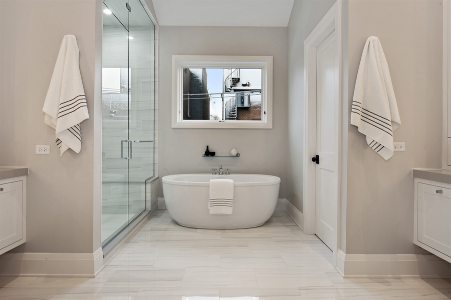 Real Estate Photography - 2615 N Bosworth Ave, Chicago, IL, 60614 - Master Bathroom