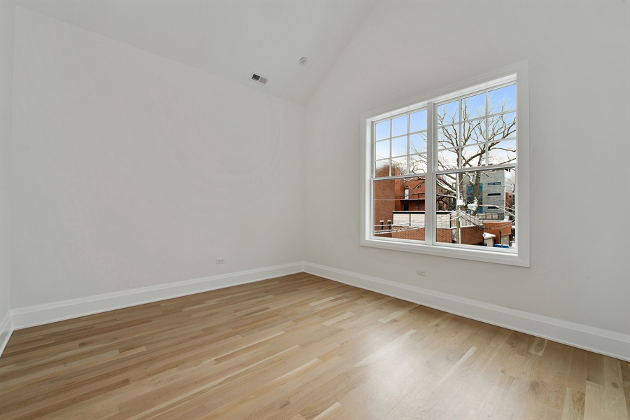 Real Estate Photography - 2615 N Bosworth Ave, Chicago, IL, 60614 - 2nd Bedroom