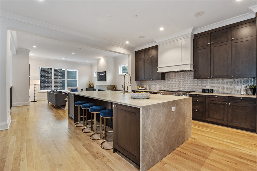 Real Estate Photography - 2615 N Bosworth Ave, Chicago, IL, 60614 - Kitchen
