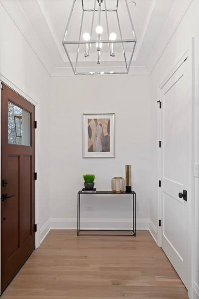 Real Estate Photography - 2615 N Bosworth Ave, Chicago, IL, 60614 - Foyer