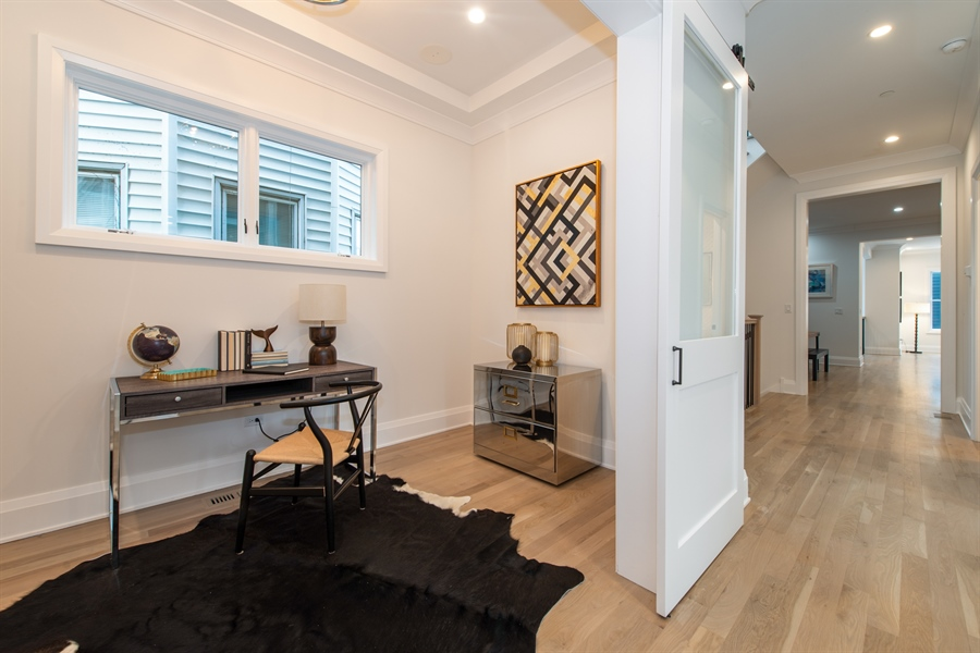 Real Estate Photography - 2615 N Bosworth Ave, Chicago, IL, 60614 - Study