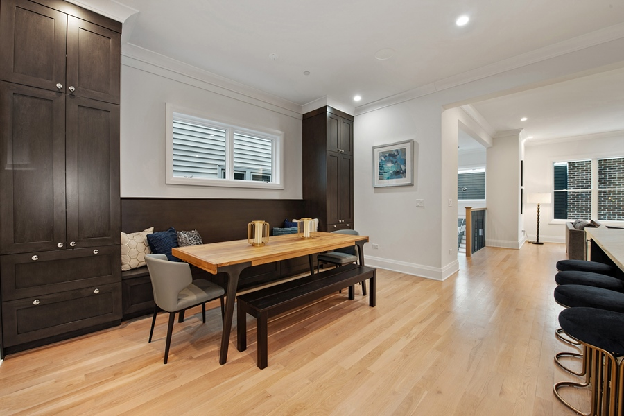 Real Estate Photography - 2615 N Bosworth Ave, Chicago, IL, 60614 - Breakfast Nook