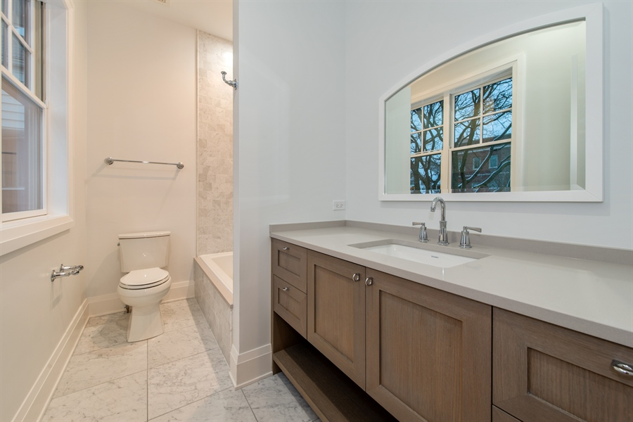 Real Estate Photography - 2615 N Bosworth Ave, Chicago, IL, 60614 - 2nd Bathroom