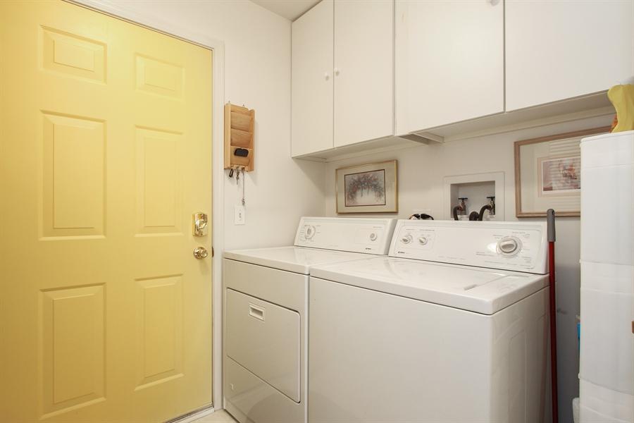 Real Estate Photography - 837 Blue Spruce Ct, Lindenhurst, IL, 60046 - Laundry Room