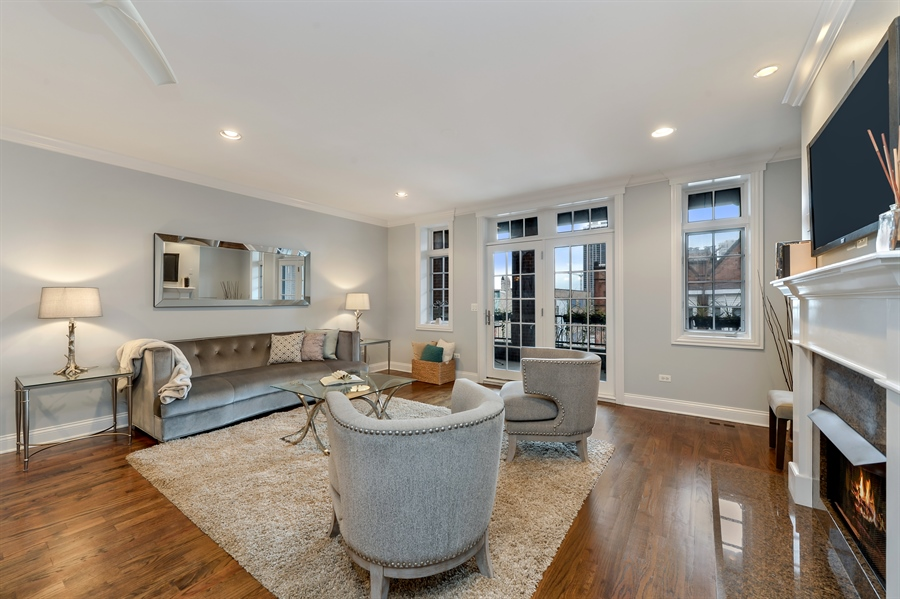 Real Estate Photography - 1502 N. Sedgwick, 5N, Chicago, IL, 60610 - Living Room