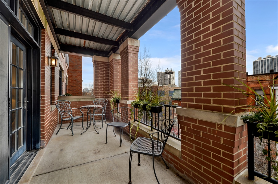 Real Estate Photography - 1502 N. Sedgwick, 5N, Chicago, IL, 60610 - Terrace