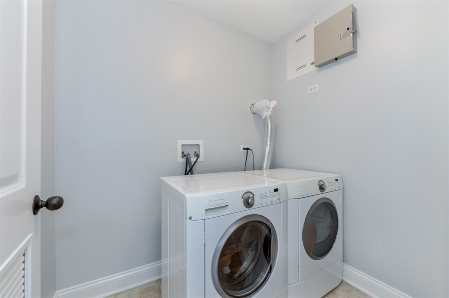 Real Estate Photography - 1502 N. Sedgwick, 5N, Chicago, IL, 60610 - Laundry Room