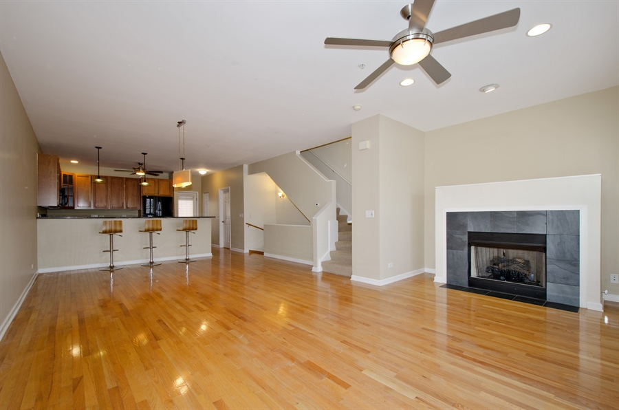 Real Estate Photography - 535 Chicago Ave, B, Evanston, IL, 60202 - Living Room/Dining Room