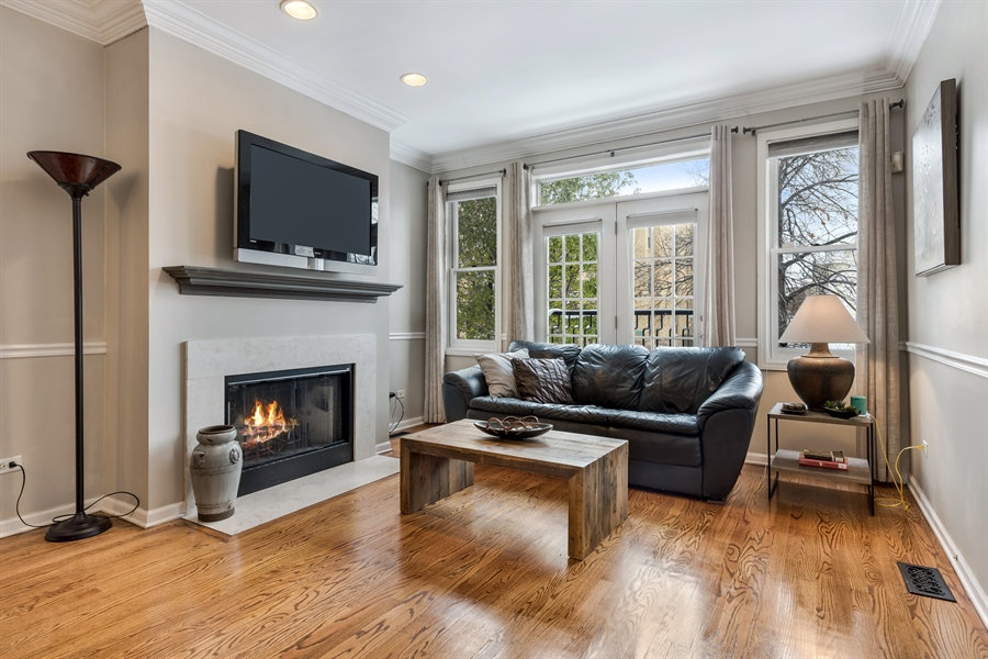Real Estate Photography - 2139 W Addison St, Unit 1, Chicago, IL, 60618 - Living Room