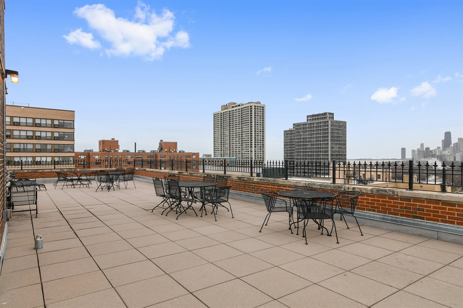 Real Estate Photography - 431 Oakdale, 14-D, Chicago, IL, 60657 - Roof Deck