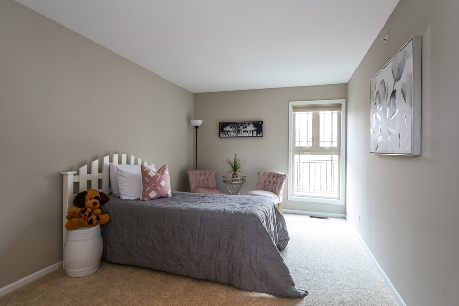 Real Estate Photography - 132 Finstad, Libertyville, IL, 60048 - 2nd Bedroom