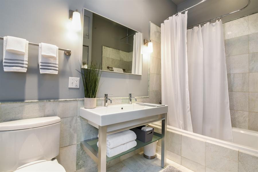 Real Estate Photography - 810 W Buckingham, 3W, Chicago, IL, 60657 - Master Bathroom