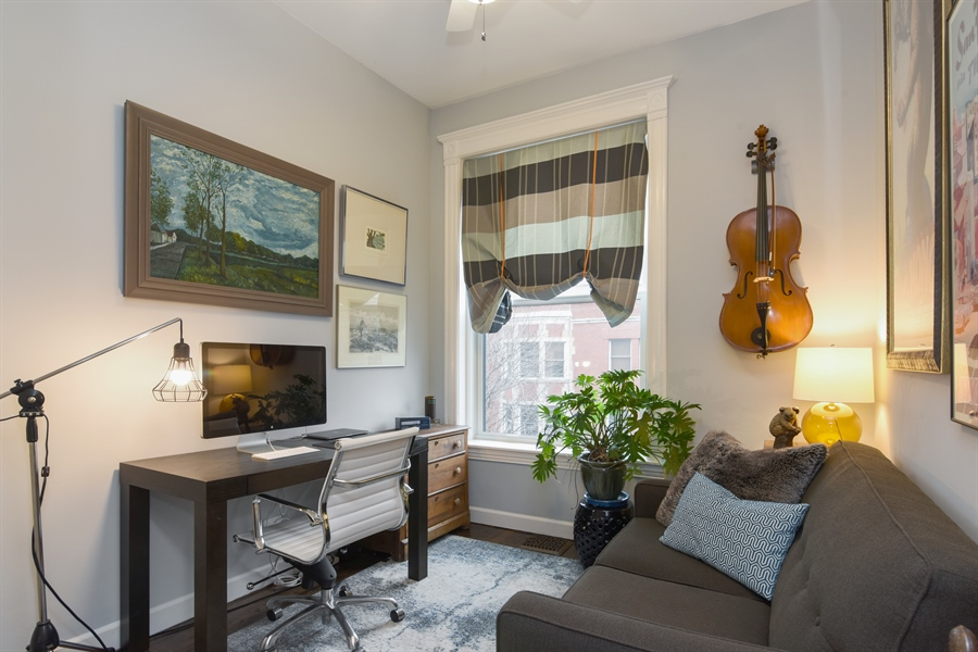 Real Estate Photography - 810 W Buckingham, 3W, Chicago, IL, 60657 - 2nd Bedroom