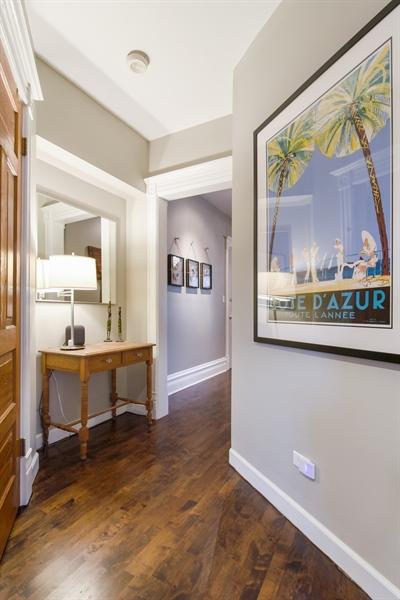 Real Estate Photography - 810 W Buckingham, 3W, Chicago, IL, 60657 - Hallway