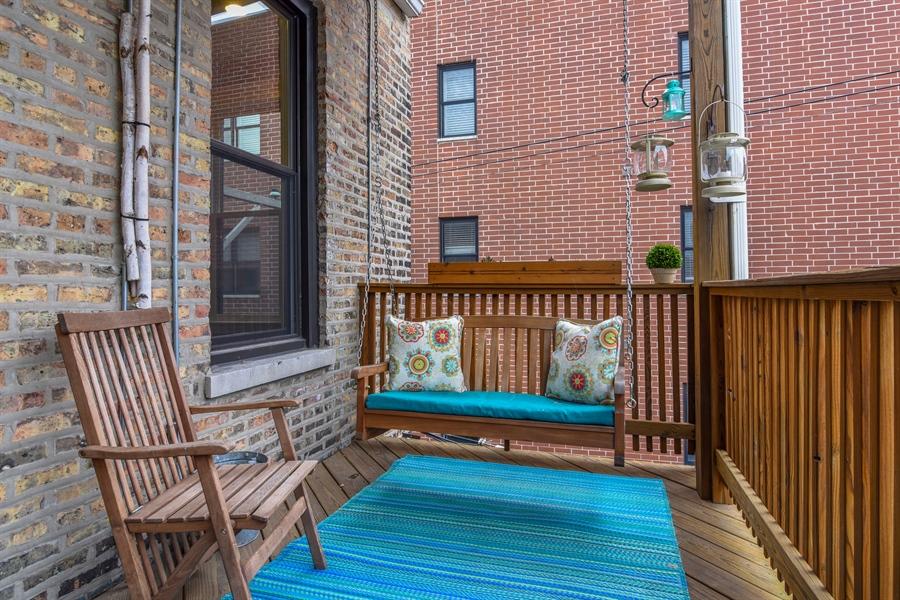 Real Estate Photography - 810 W Buckingham, 3W, Chicago, IL, 60657 - Deck