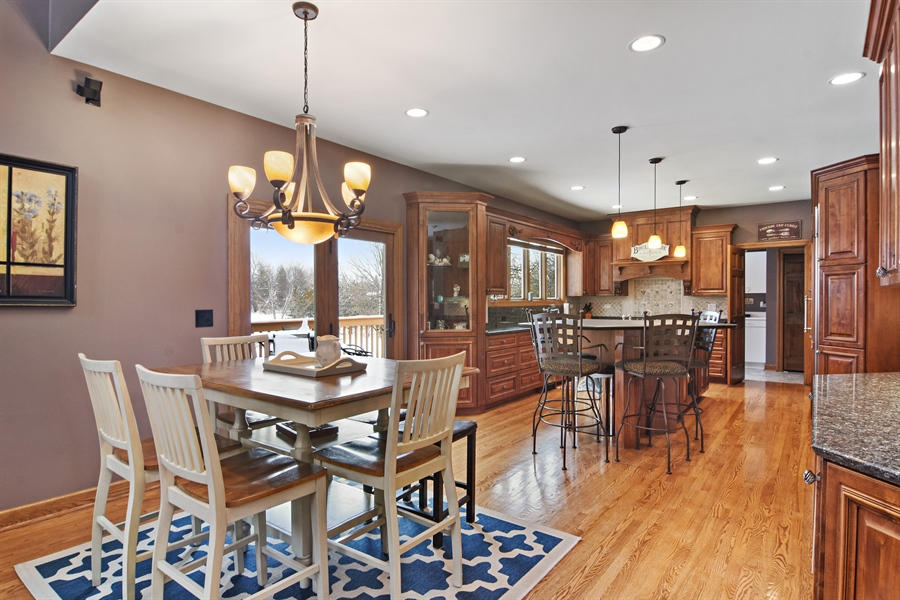Real Estate Photography - 185 Elderberry, Hawthorn Woods, IL, 60047 - Kitchen / Breakfast Room