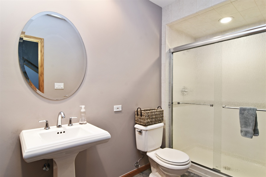Real Estate Photography - 185 Elderberry, Hawthorn Woods, IL, 60047 - 2nd Bathroom