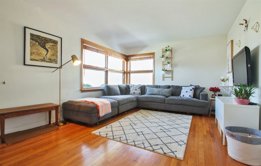 Real Estate Photography - 701 N Elmhurst Ave, Mount Prospect, IL, 60056 - Living Room