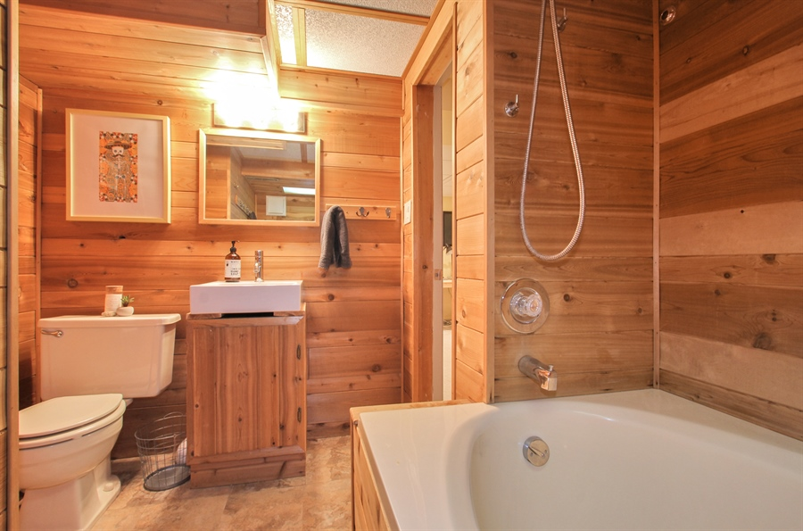 Real Estate Photography - 701 N Elmhurst Ave, Mount Prospect, IL, 60056 - Bathroom
