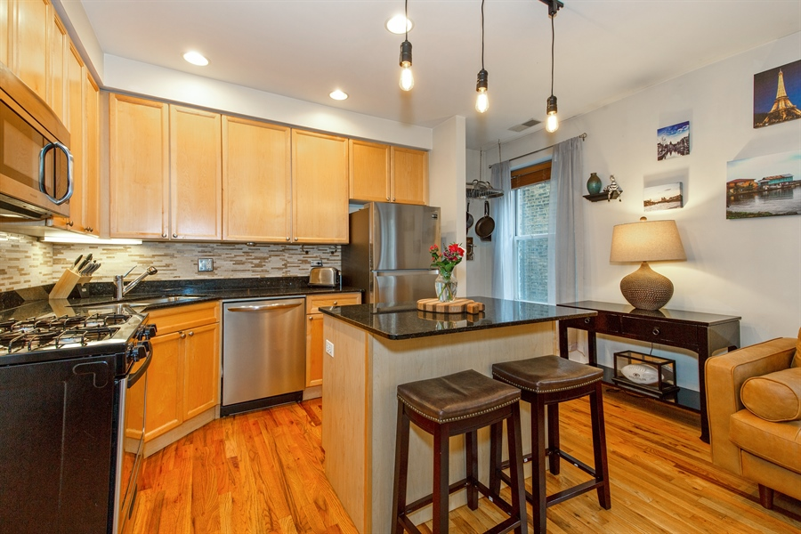 Real Estate Photography - 1636 W. Melrose St., 204, Chicago, IL, 60657 - Kitchen