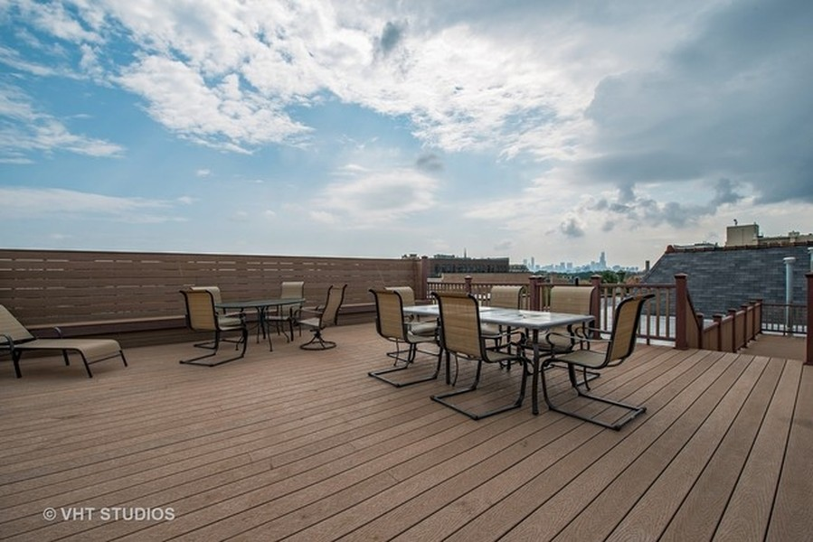 Real Estate Photography - 1636 W. Melrose St., 204, Chicago, IL, 60657 -