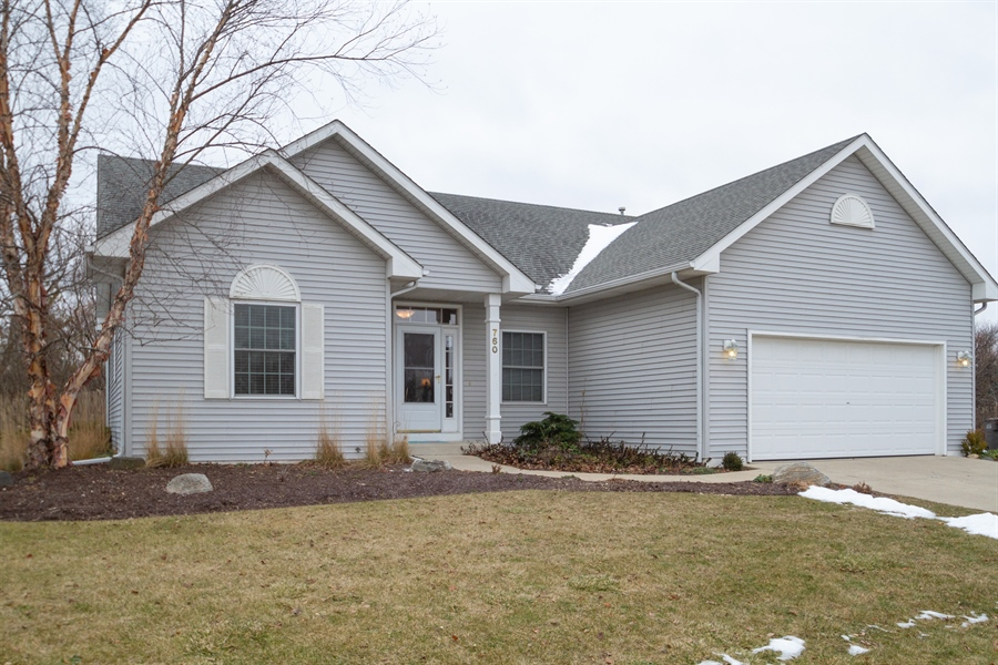 Real Estate Photography - 760 Heather Circle, Lake Geneva, WI, 53147 - Front View