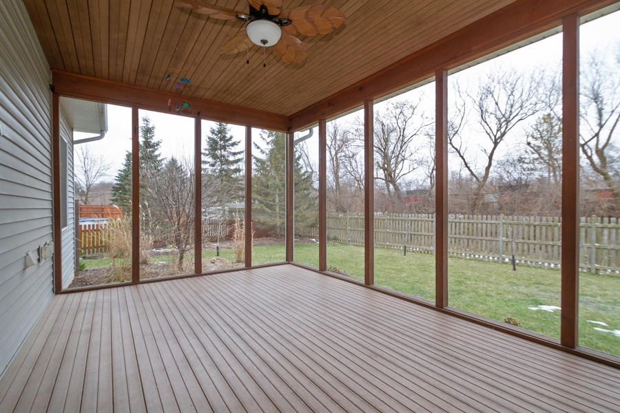 Real Estate Photography - 760 Heather Circle, Lake Geneva, WI, 53147 - Sun Room