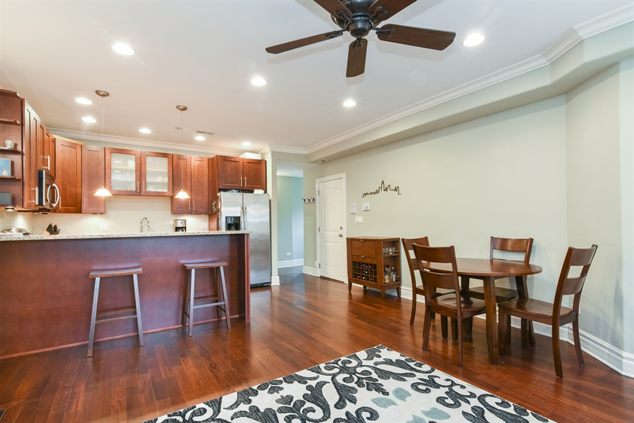 Real Estate Photography - 1625 W Catalpa Ave, 2, Chicago, IL, 60640 - Kitchen / Dining Room