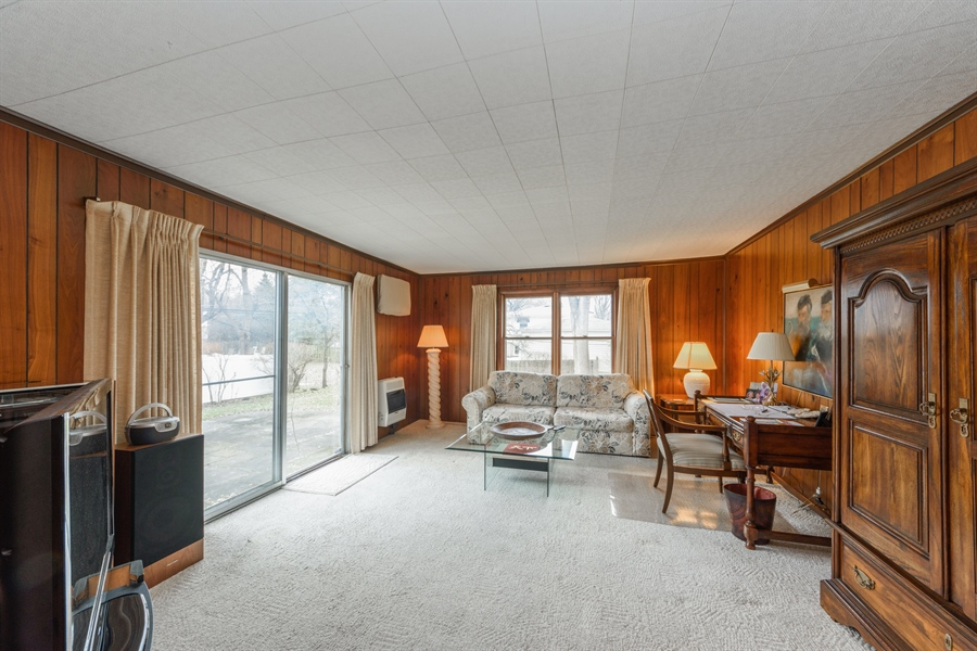 Real Estate Photography - 111 S Stratford, Arlington Heights, IL, 60004 - Family Room