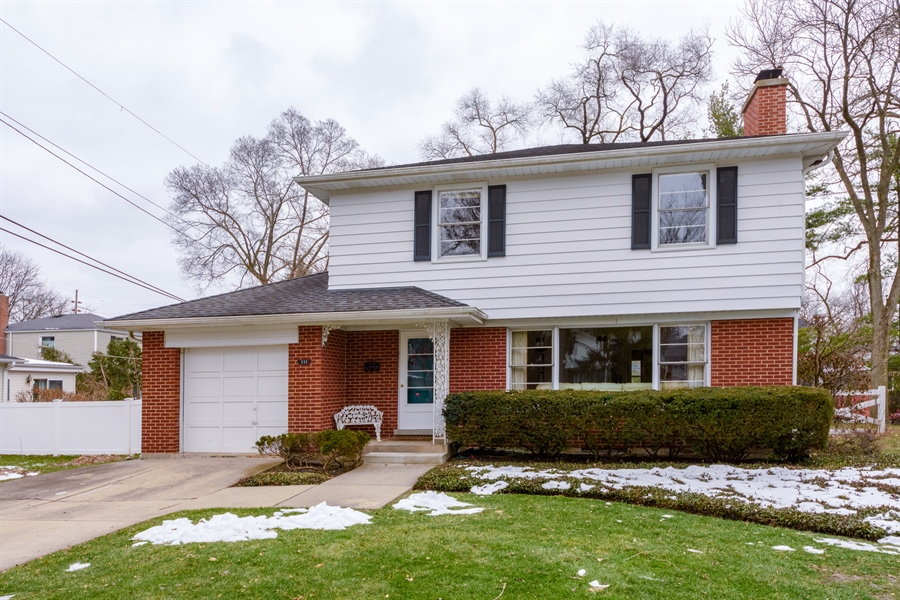 Real Estate Photography - 111 S Stratford, Arlington Heights, IL, 60004 - Front View