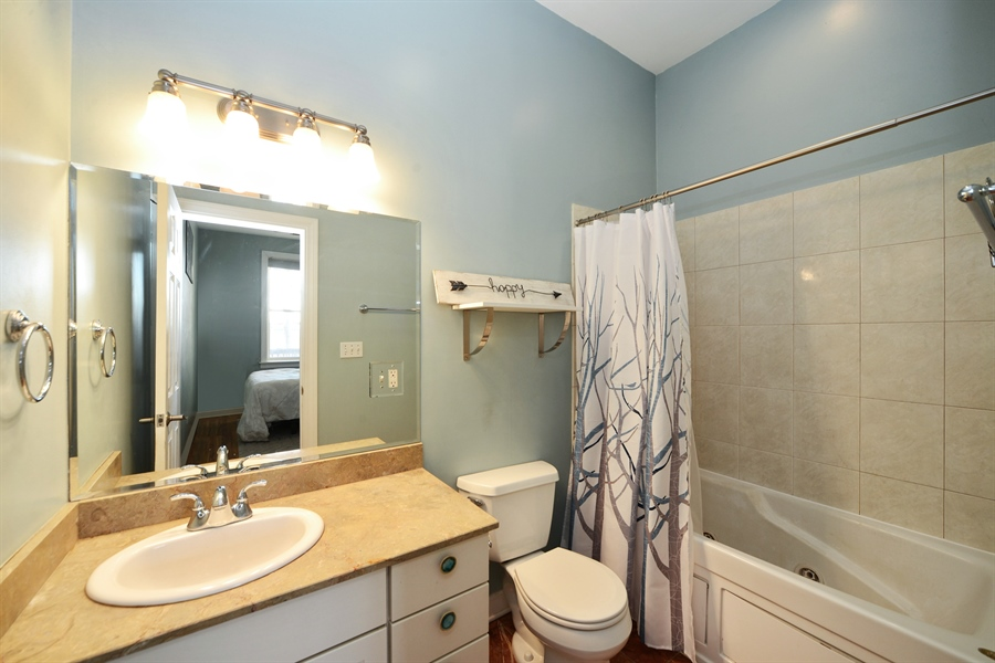 Real Estate Photography - 1813 W. Grand, 2, Chicago, IL, 60622 - Master Bath