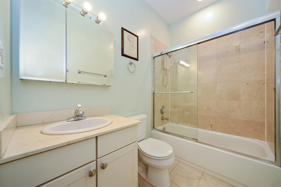 Real Estate Photography - 1813 W. Grand, 2, Chicago, IL, 60622 - Second Bath
