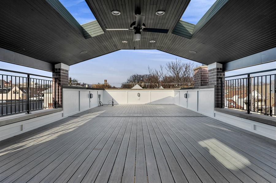 Real Estate Photography - 1530 W Wellington, Chicago, IL, 60657 - Roof Deck