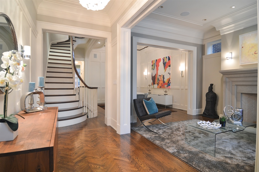 Real Estate Photography - 1705 N Dayton, Chicago, IL, 60614 - Foyer/Living Room