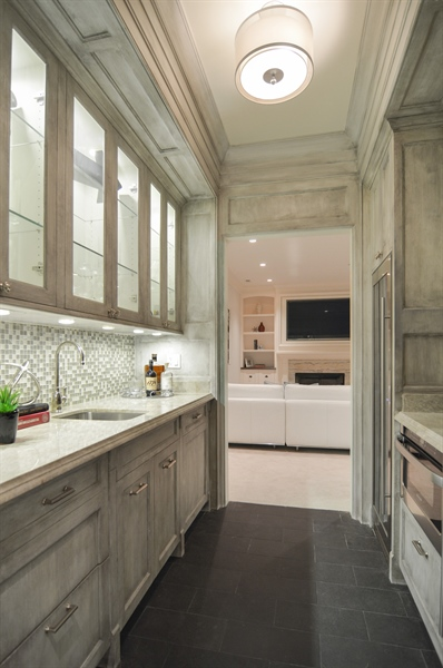 Real Estate Photography - 1705 N Dayton, Chicago, IL, 60614 - Wet Bar